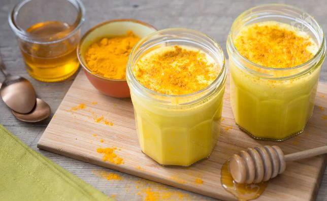 Bağışıklık güçlendirici altın süt tarifimiz şöyle:  Altın Süt Tarifi
